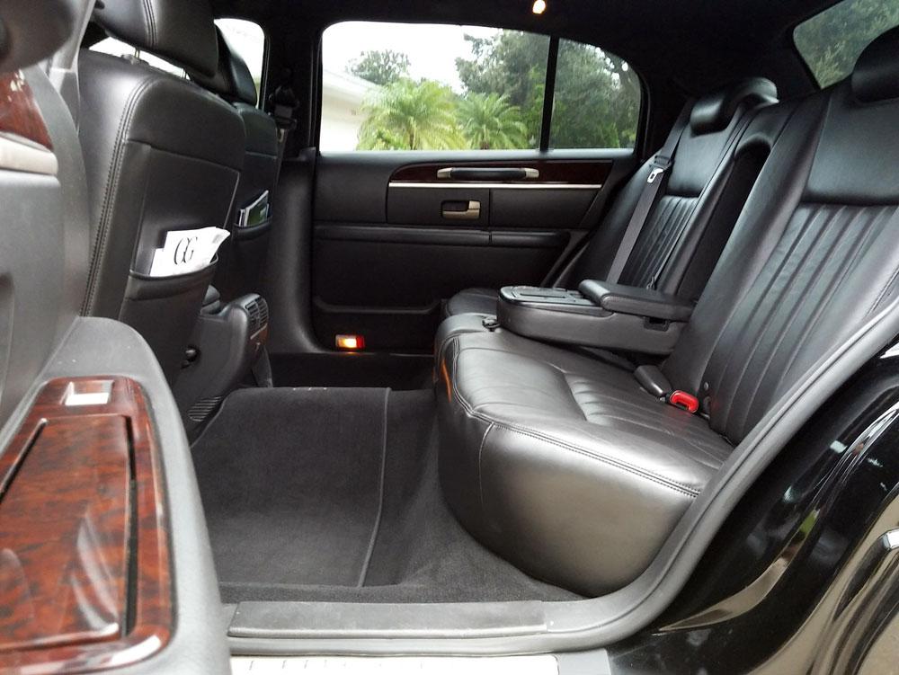 town-car-interior-3